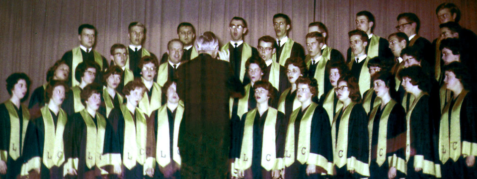 1962 choir on stage