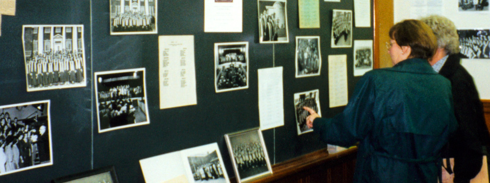 alums with photos in 1996